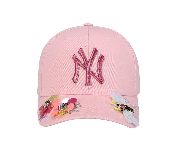 繽紛花園亮片蜻蜓暨花卉刺繡MLB洋基帽 定價$1,490
