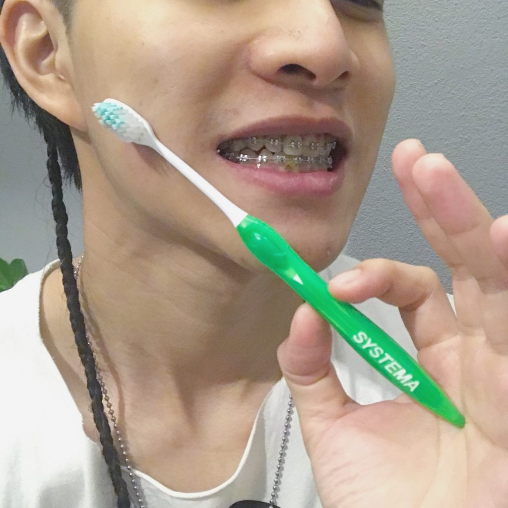 LION日本獅王細潔牙刷
