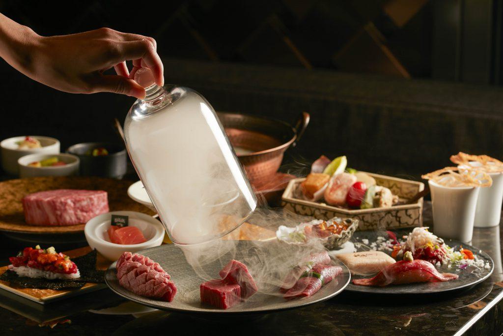 「冬燦套餐」餐點內容包含北海道根室海膽、愛爾蘭瑪皇生蠔、生牛肉握壽司、本日嚴選三拼、季節牛肉雪見鍋等9道頂級佳餚。.jpg