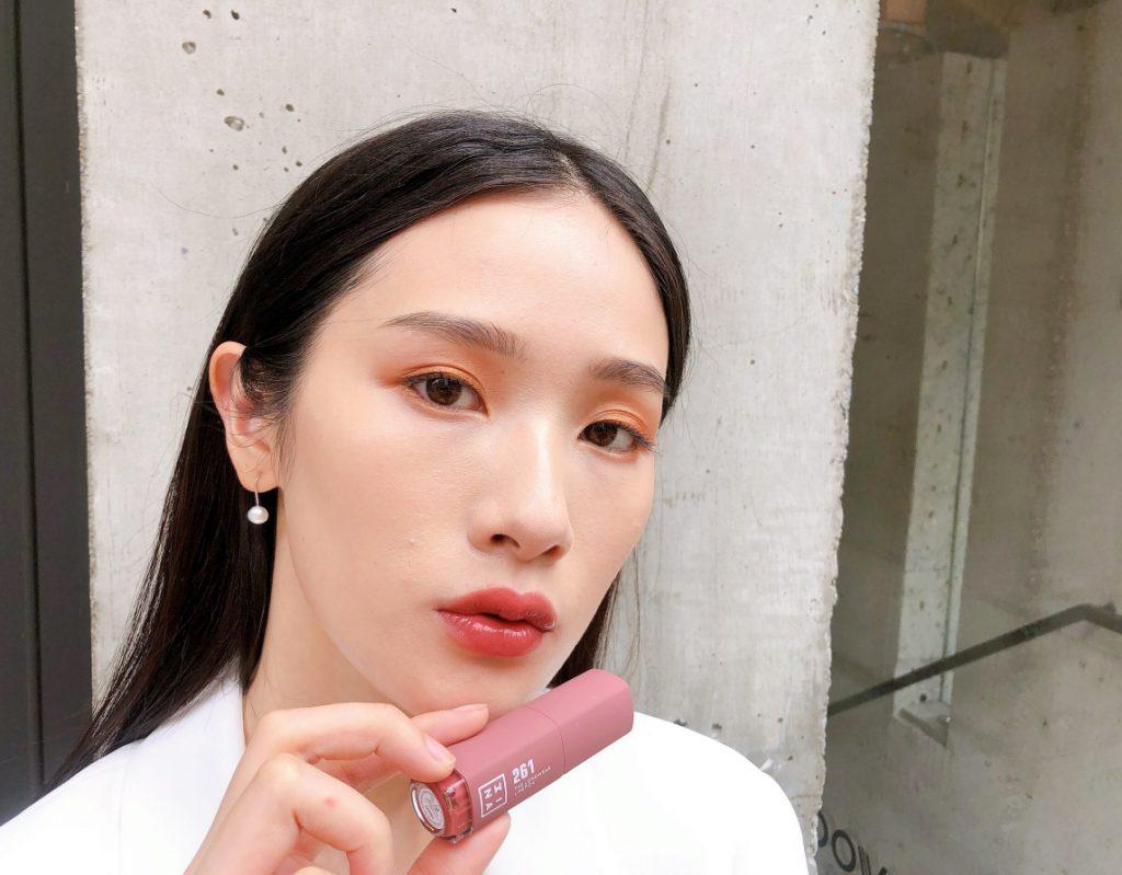 「#261紅玉玫瑰拿鐵」3ina微刺青印色唇釉 7ml / NT$620 共16色