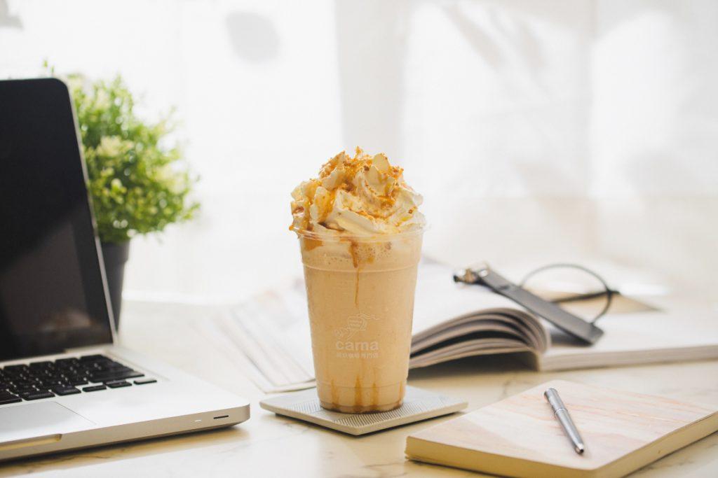 cama café海鹽焦糖拿鐵繽奶昔