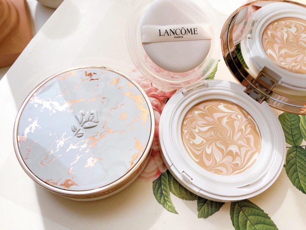 超極光精華水粉霜 共2色 建議售價NT$1,400(粉蕊)、NT$500(粉盒)