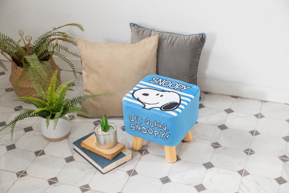 Snoopy來作客小椅凳 加購價$459