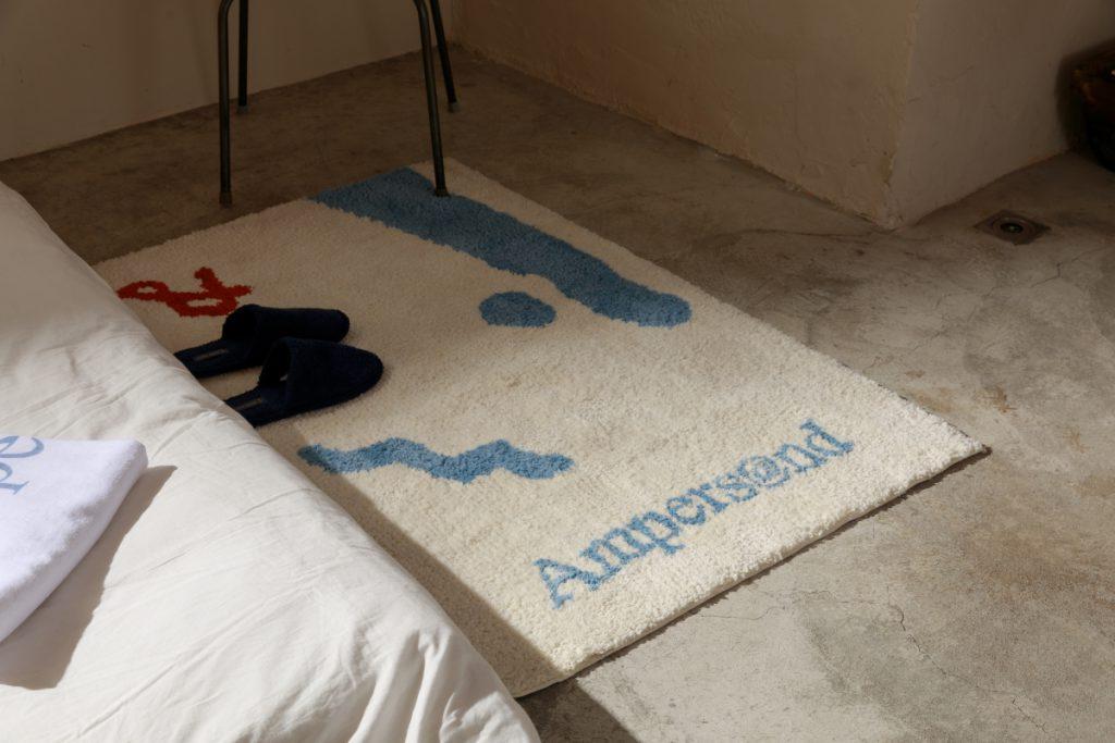 &ROOM 經典 LOGO 時髦地毯 NT.2480