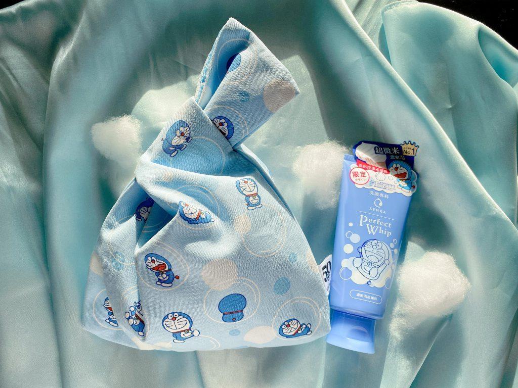 買 2支「專科超微米潔顏乳-哆啦A夢珍藏版」 就可獲得超可愛的「哆啦A夢日式手提袋」