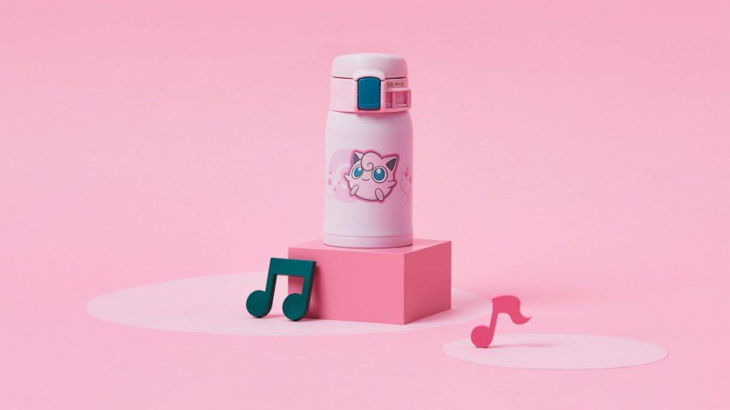 粉色瓶身的胖丁搭配藍眼睛的藍色按鈕