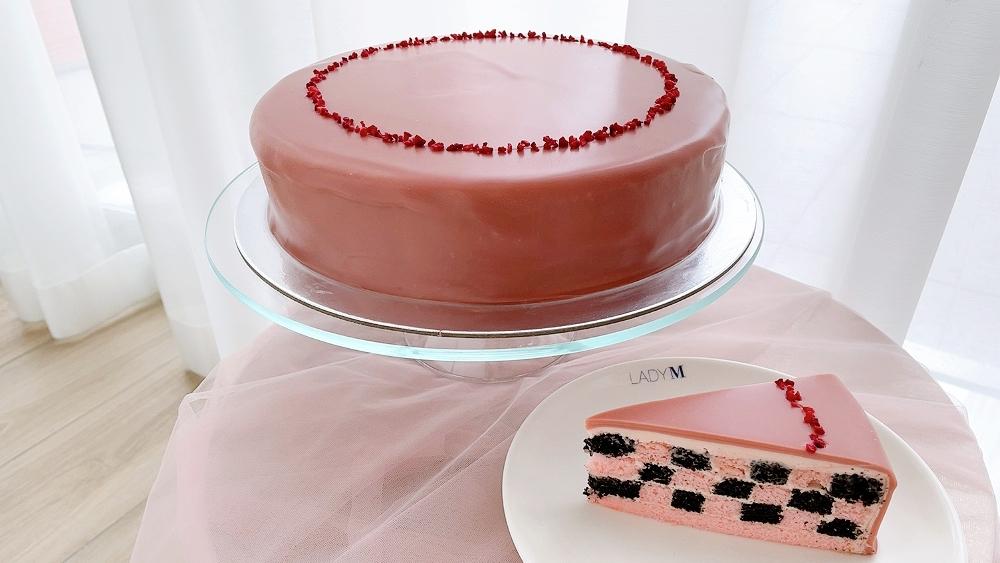 LADY M草莓巧克力棋格蛋糕