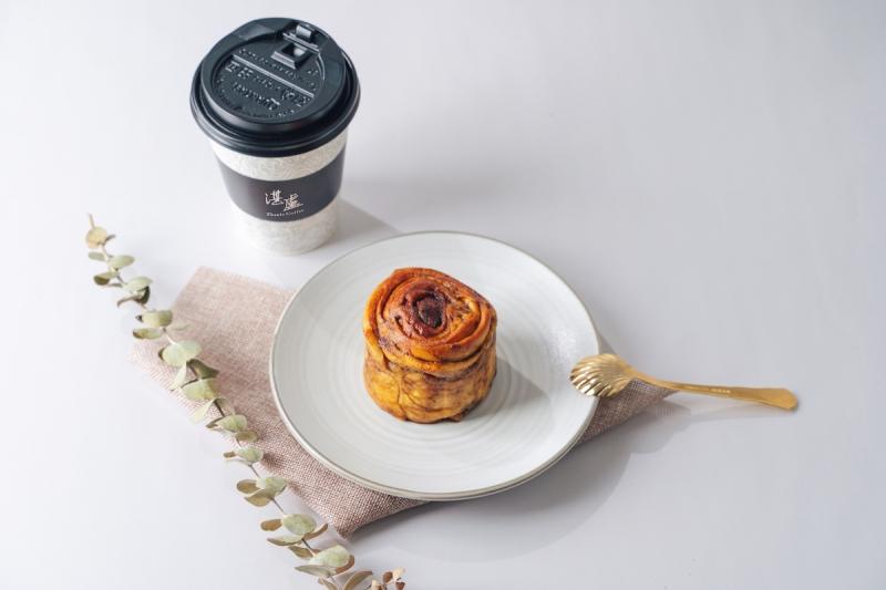 湛盧咖啡XFly cafe 蒼蠅哥肉桂捲